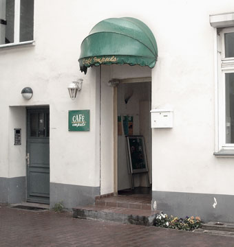 Old entrance in the 90th